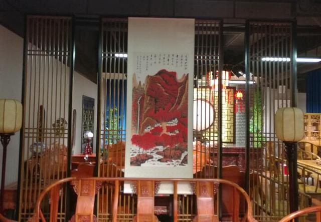 当代著名画家罗礼明现场作画 贺展爱红木怡景店开业