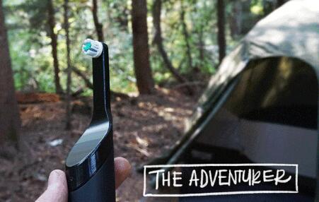 首款不用电池的电动牙刷问世