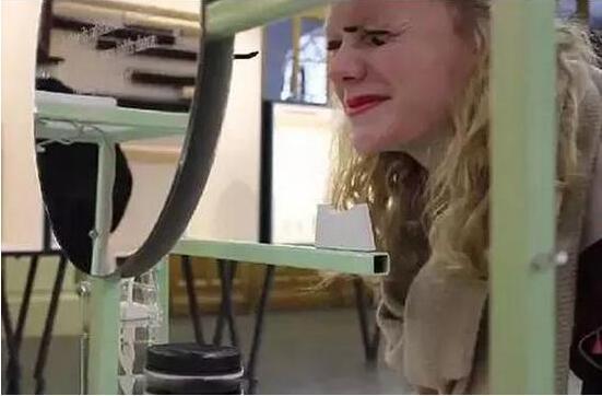 真的是手残党福音?这样的化妆机你敢用吗