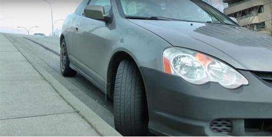 用了这4种停车方法 可能过2年你的车就报废了