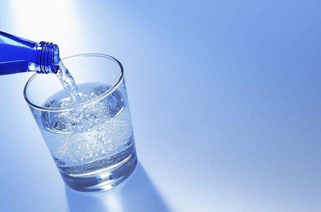 产品种类繁杂、质量良莠不齐 苏打水市场有待规范