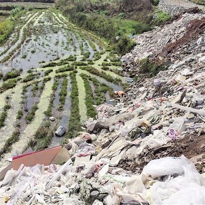 建筑垃圾倒农田 给了钱这就可以吗?