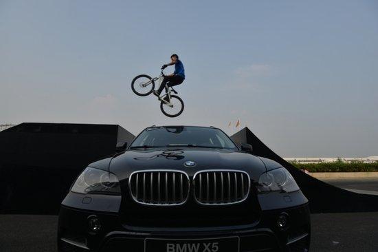 汪涵助阵 BMW 3行动全国总决赛在成都开战