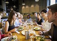 聚餐饮食要注意 这么吃更健康
