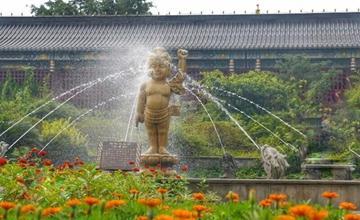 游荡在四川佛教名寺