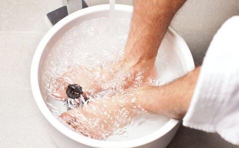 中医提醒:冬季泡脚切记5个禁忌