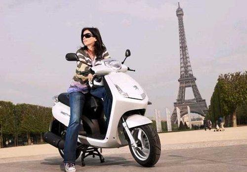 风靡欧洲的踏板车 标致摩托亮相摩博会