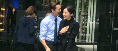 古力娜扎陈伟霆北京街头被偶遇,两人举止亲密好似小情侣