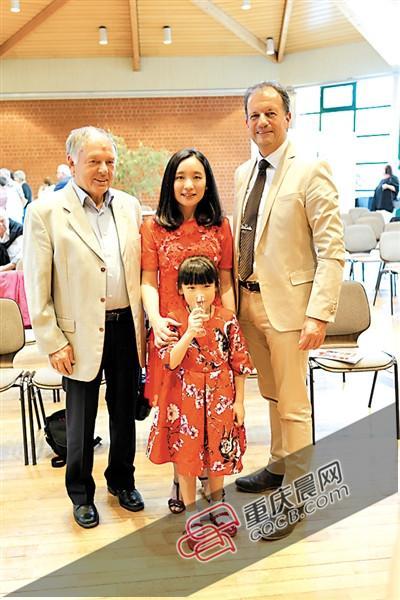 重庆6岁女孩去德国办画展