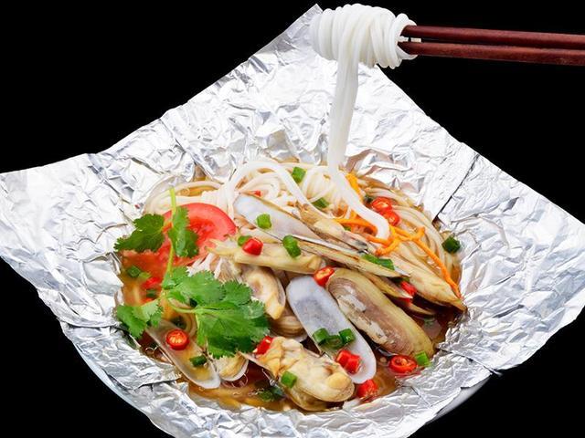 使用铝箔纸烹饪食物不当,会危害健康