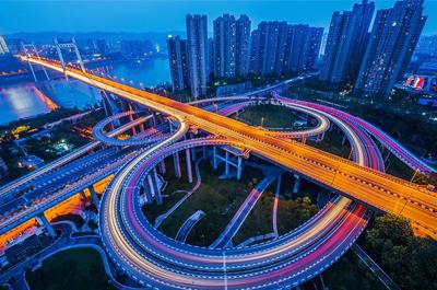 """九龙坡区为自身路网""""开沟通渠"""""""
