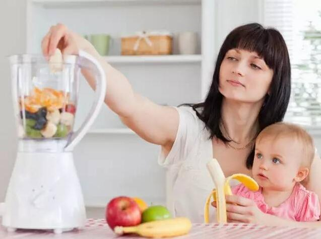 宝宝两岁前如何吃辅食