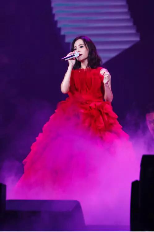 """""""我想念我自己"""" 2018年彭佳慧巡回演唱会 在歌声中回味往昔"""