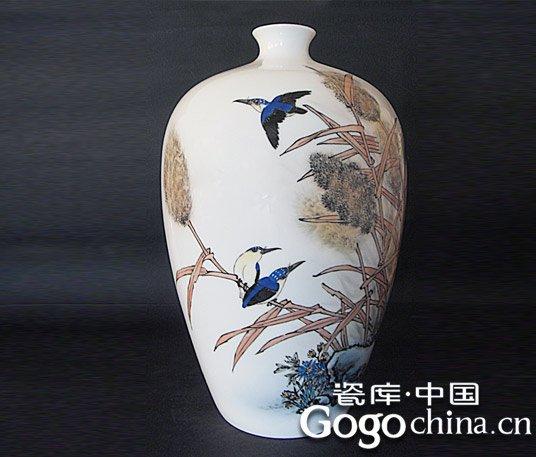图:大师手绘翠鸟芦苇陶瓷艺术花瓶-景德镇当代艺术陶瓷成收藏热点