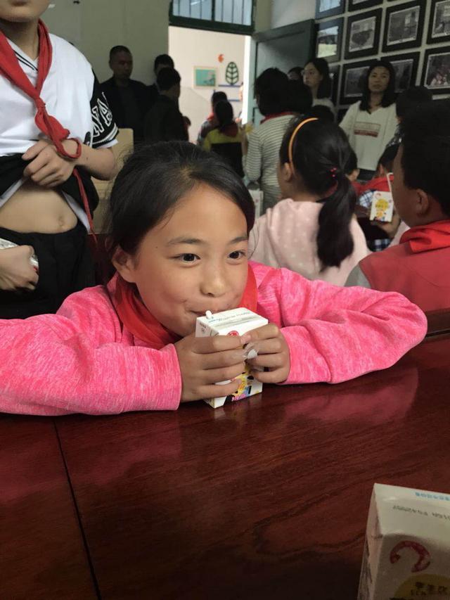 助力奔小康让爱更美好 天友乳业启动公益助学活动