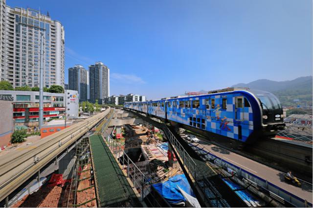 重庆轨道列车穿新衣 城市地标等6大主题陆续上线