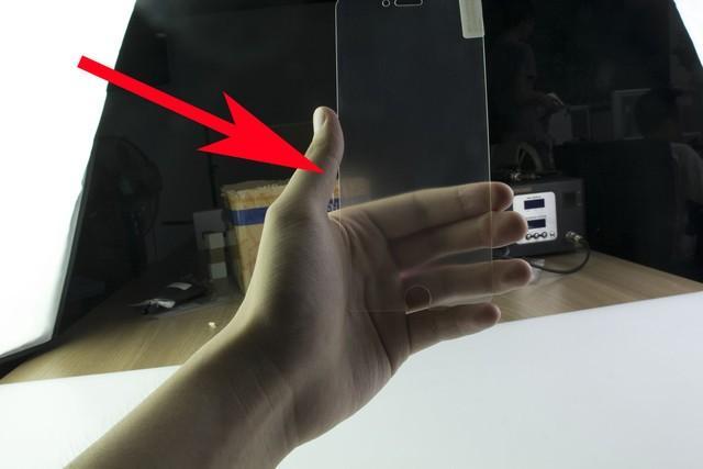 手机贴膜有必要吗?这么多年你都被骗了