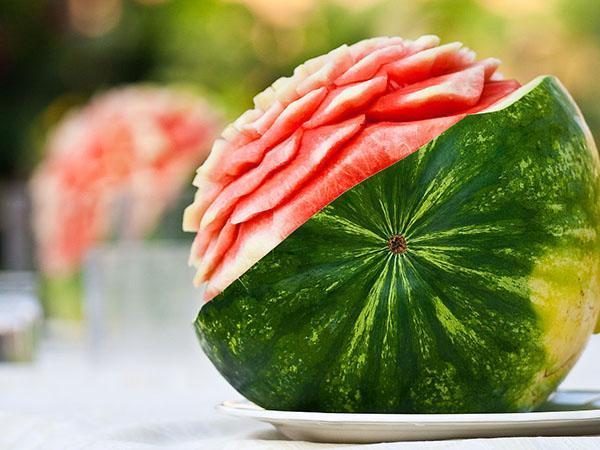 西瓜和桃子能一起吃吗?科学知识要懂