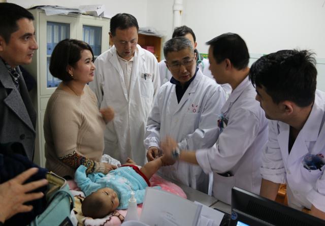 重医儿童医院千里帮扶情系渝疆 同心携手造福患儿
