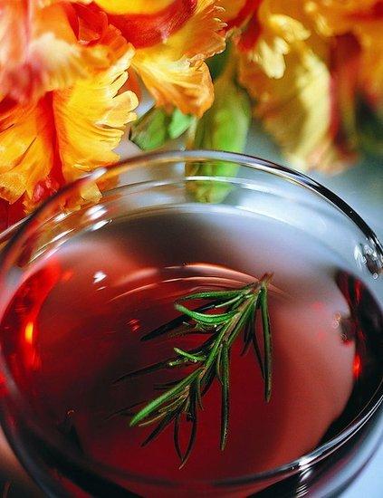 喝茶讲究最佳时间 早九点花茶下午绿茶晚上红茶