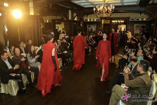 别开生面 首届丝绸之路国际时装周亮相重庆