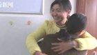 女老师考前拥抱学生