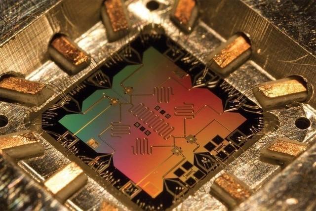一分钟破解你全部密码 量子计算你懂吗