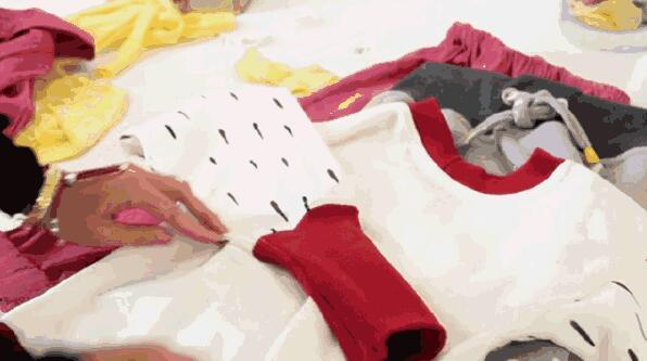 衣服也玩拓展包 孩子长身体衣服也跟着长