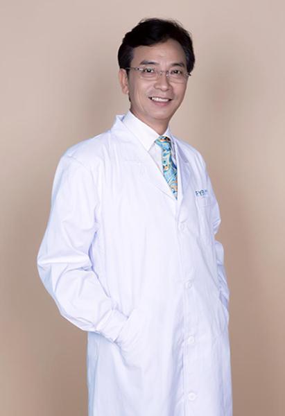 重庆爱尔眼科医院总院主任医师陈茂盛