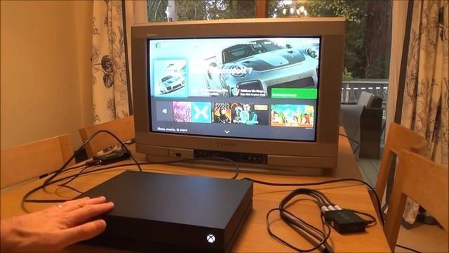 CRT电视上玩Xbox One X是种怎样的体验?
