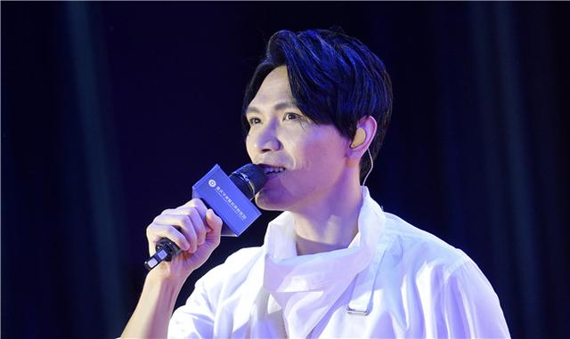 杨宗纬来渝唱情歌 希望在重庆开演唱会