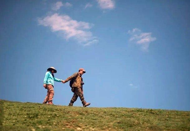 我能想到最浪漫的事 就是骑着摩托车带你去看西藏的风景