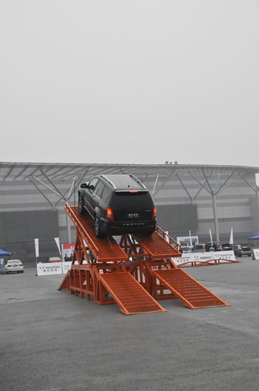 进口双龙2013重庆汽车消费节越野试驾会