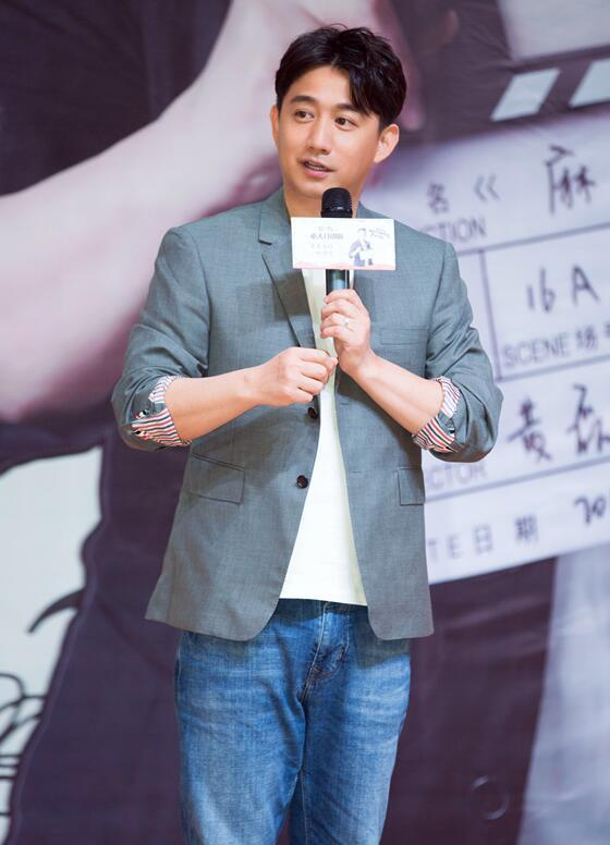 黄磊携导演处女作走进重庆高校 化身人生导师