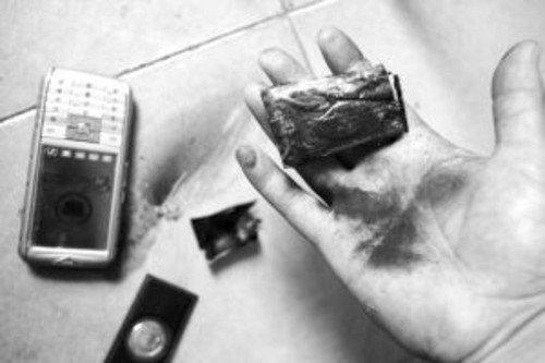 浅谈手机爆炸事件 如何正确使用锂电