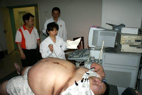 体重225公斤 中国第一胖病重来渝就医(图)