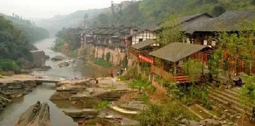 交通信息:荣昌三级汽车站乘车到万灵古镇 中山镇位于重庆市江津,是