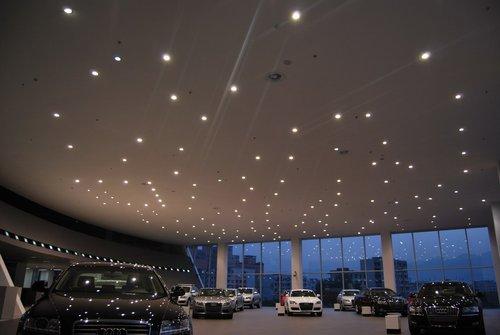 重庆最大的4S店——万家雅迪城市展厅