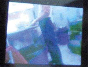 麻辣烫员工拍视频爆行业黑幕 剩菜调包上桌(图)