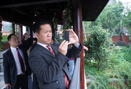 美国华裔市长盛赞天景·雨山前