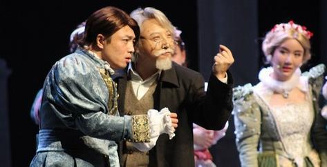 等等,开心麻花带我上的这趟车…是莎士比亚开的?!