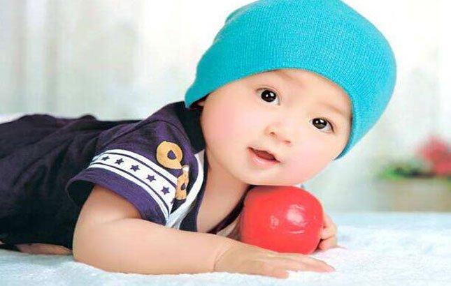 宝宝脸上长怪异红色斑块 了解真相后妈妈倒吸一口气