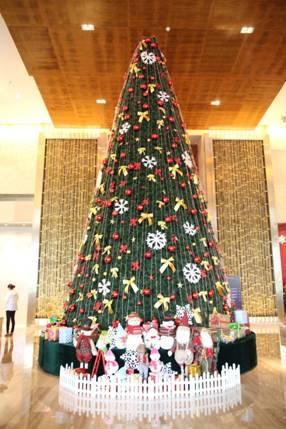 """""""欢迎回家""""重庆富力凯悦酒店圣诞亮灯仪式"""