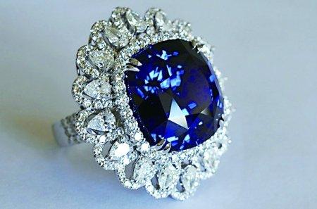 300万元蓝宝石亮相重庆 彩色宝石渐成投资新宠