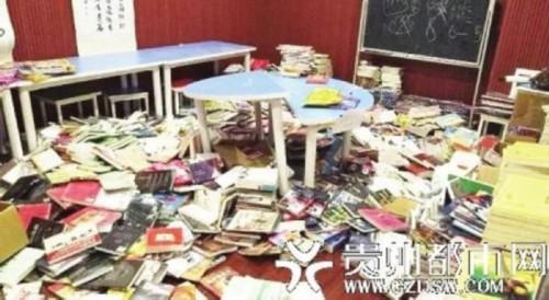 两熊孩子大闹书店图书扔满地 书店回应:家长该管管