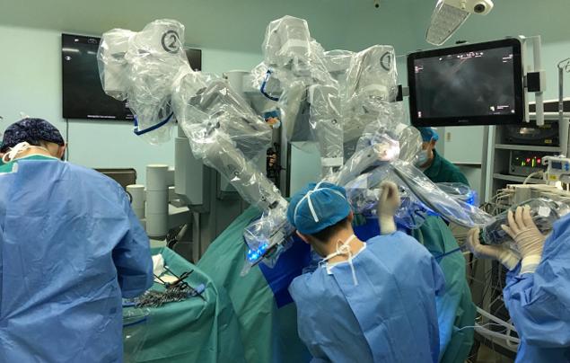 极限挑战!军医用机器人为重病新生儿手术获成功