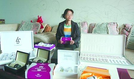 女子想丰胸花6万多买来特效药 竟是食品