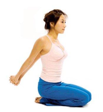 瘦手臂瑜伽动作 拉出纤纤细臂