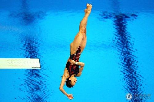 吴敏霞3米板力压何姿摘金 梦之队夺奥运7连冠