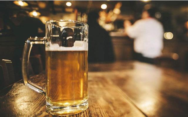 啤酒有助于改善记忆力衰退?建议谨慎看待